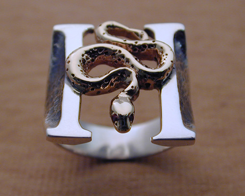 gold-silver_headstones_ring_2.jpg