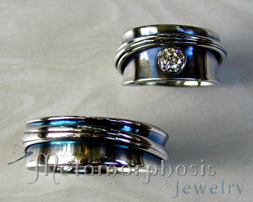 free-form wedding band set