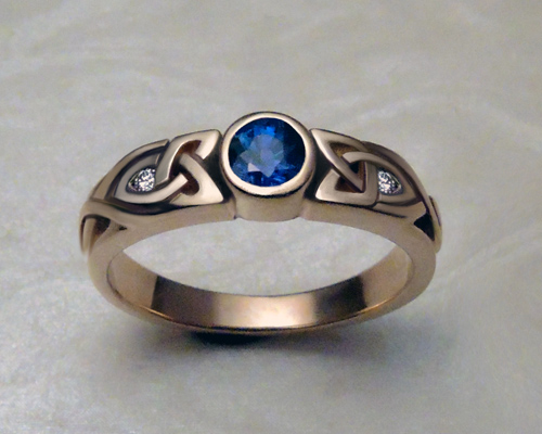 narrow_trinity_knot_celtic_engagement_ring_2.jpg