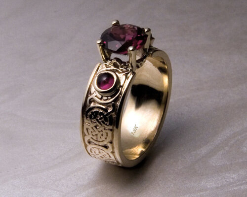celtic_knotwork_garnet_engagement_ring_18k.jpg