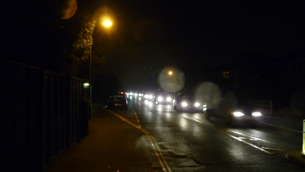 Cowes_Park_Road_traffic_on_Firework_Night_2010_2.JPG