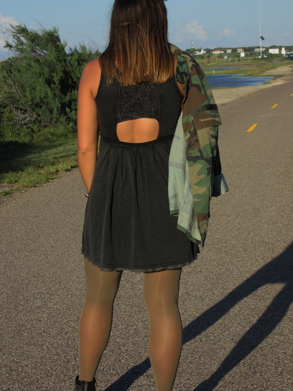 dressbackdetail.JPG