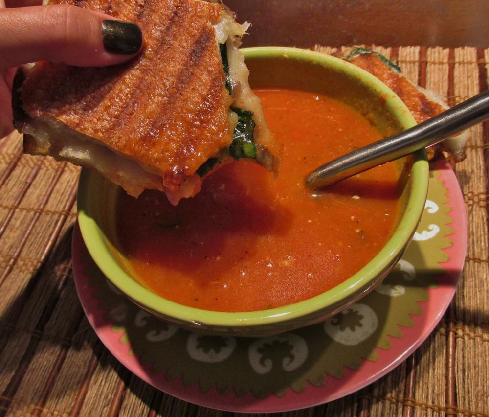 panini dip in tomato soup.JPG