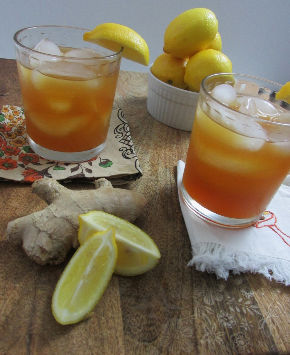 ginger and honey iced tea cocktail.jpg