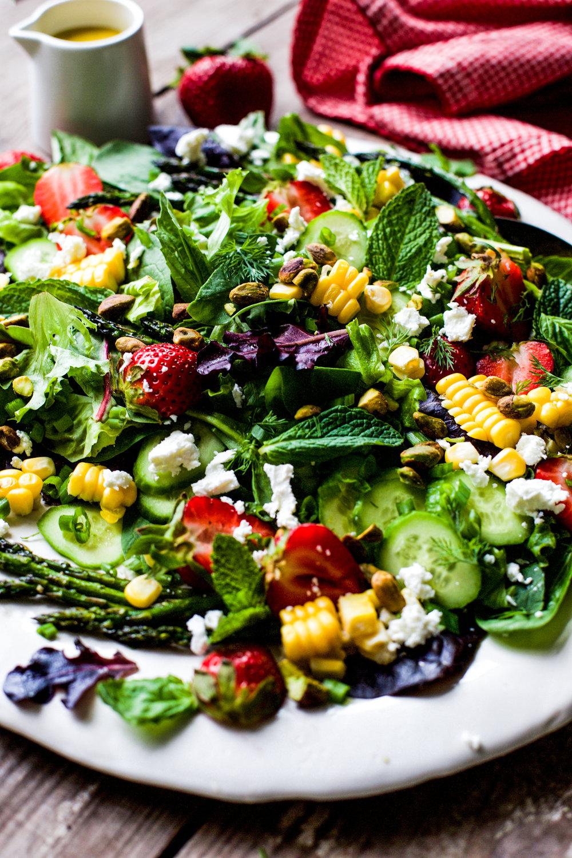 Roasted Asparagus Strawberry Salad
