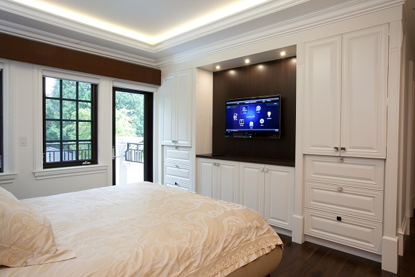 Controls in the bedroom allow you to put your home to sleep with the touch of a button.