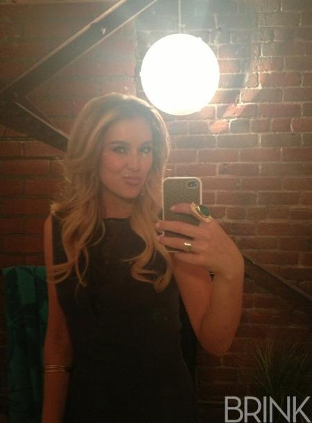 Alexa_vega_selfie_brink_magazine_2.jpg