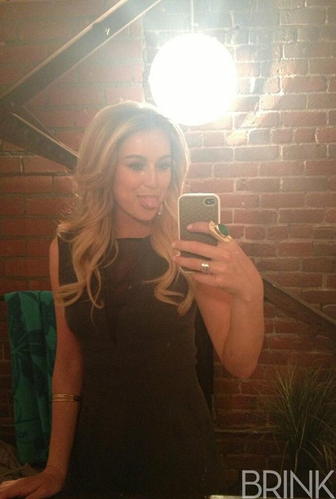 Alexa_vega_selfie_brink_magazine.jpg