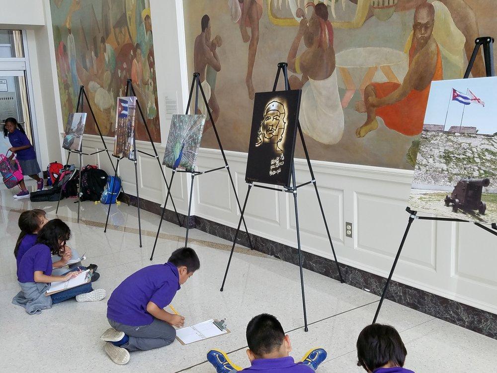 3rd grade art trip.jpg
