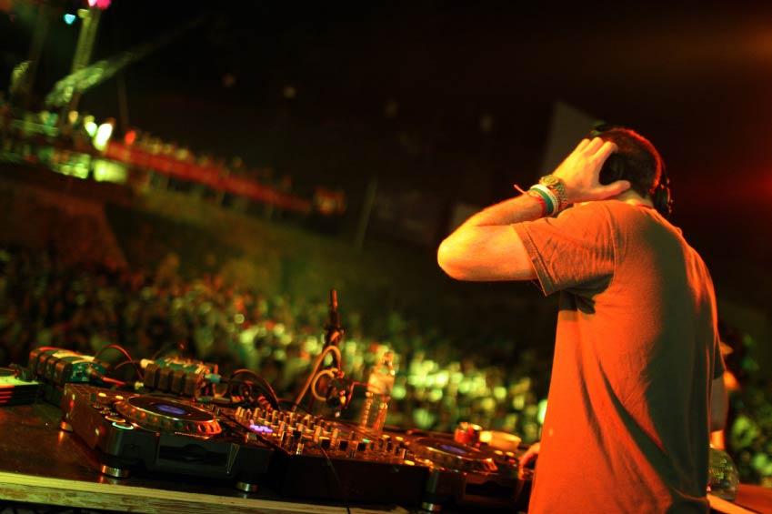 Corporate-DJ-hire.jpg
