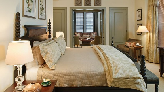 {  Fabulous Presidential Suite at the Carolina Hotel }