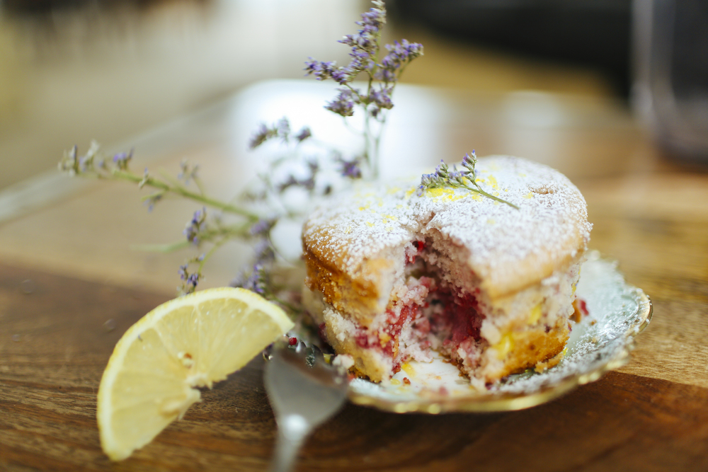 Raspberry cake with lemon curd filling