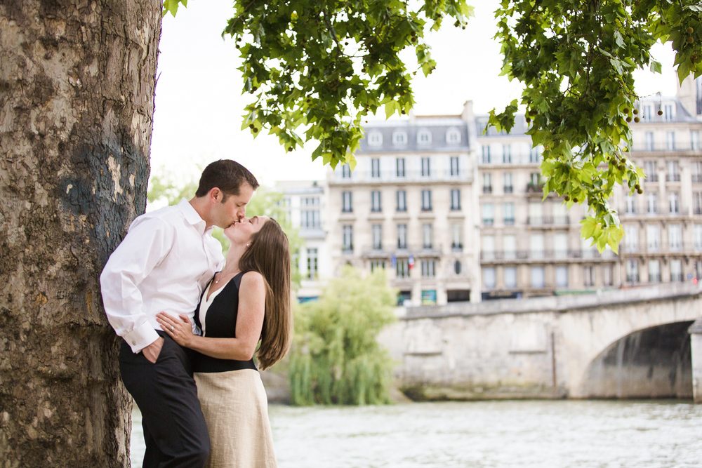 english-speaking-engagement-photographer-paris-21.jpg