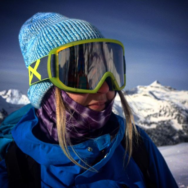 Babe alert 💃 @mal_is_stoked rocking the #nibznecktubes #keepwarm #ProtectYourselfFromMotherNature #respectthemountains #girlswhoshred #splitboarding #snowbaording
