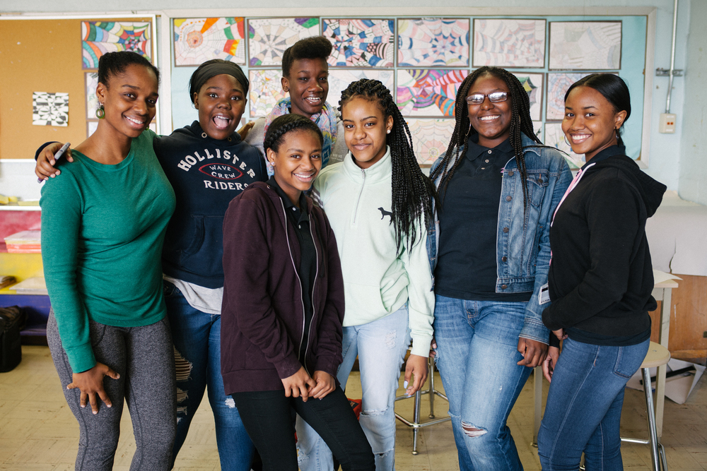 Movement and Teaching Artist Lela Aisha Jones with students from Parkway NW High School for Peace and Social Justice. Photo by Aidan Un.