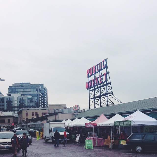 typical rainy day at pike's place market