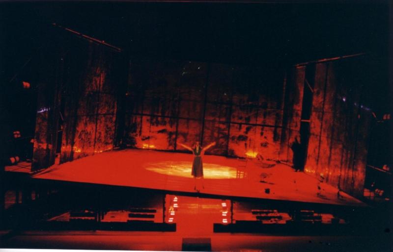 Die Konigskinder San Carlo Naples 2002.JPG