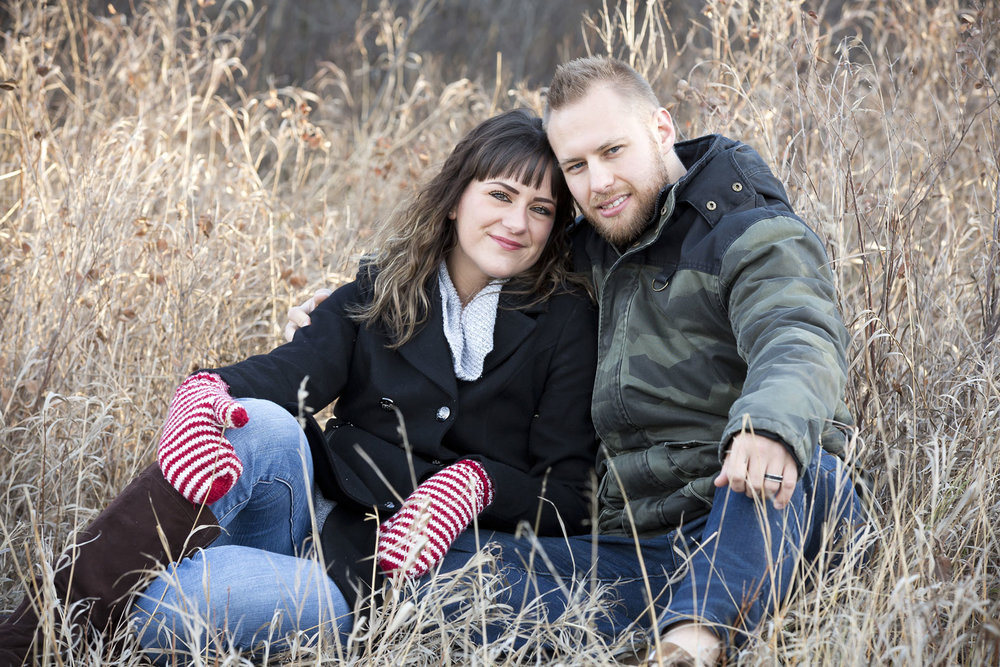 Winter_Fall_Couples_Photos_Lethbridge_Riverbottom
