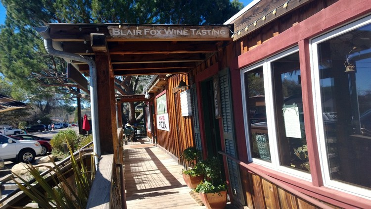 Boozer and I always stop at Blair Fox Winery in Los Olivos for a tasting on the way up 101.  Los Olivos is one of the all time favorite spots for a picnic.