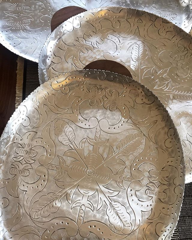 Beautiful new retail items in the shop! Check out these gorgeous etched Mexican serving trays, brass cheese knives, handwoven place mats and more in our shop 💫. For online shopping inquires email us. . . . . . . . . . . #ojai #winebar #tippleandramble #decor #kitchenware #design #interiordesign #bohemianstyle