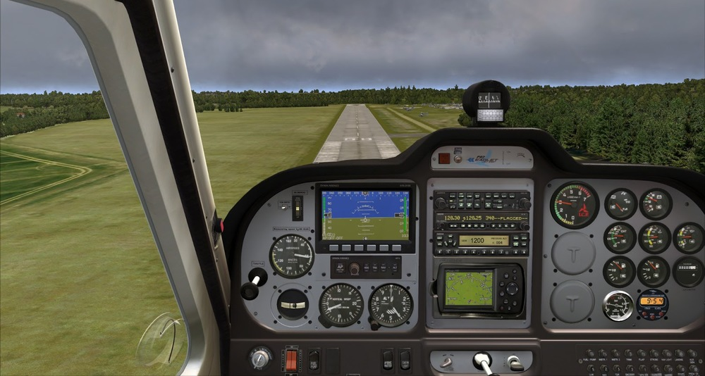 I decided last minute to run a touch-and-go. I also wanted to see the scenery on the opposite approach before runway 26.