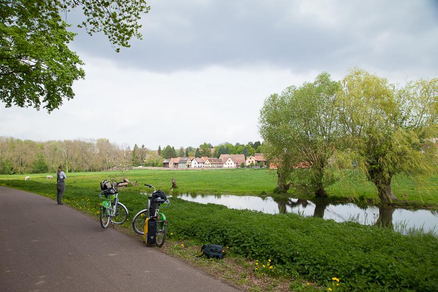Bruchen kanava ja reitti kohti Molsheimia.