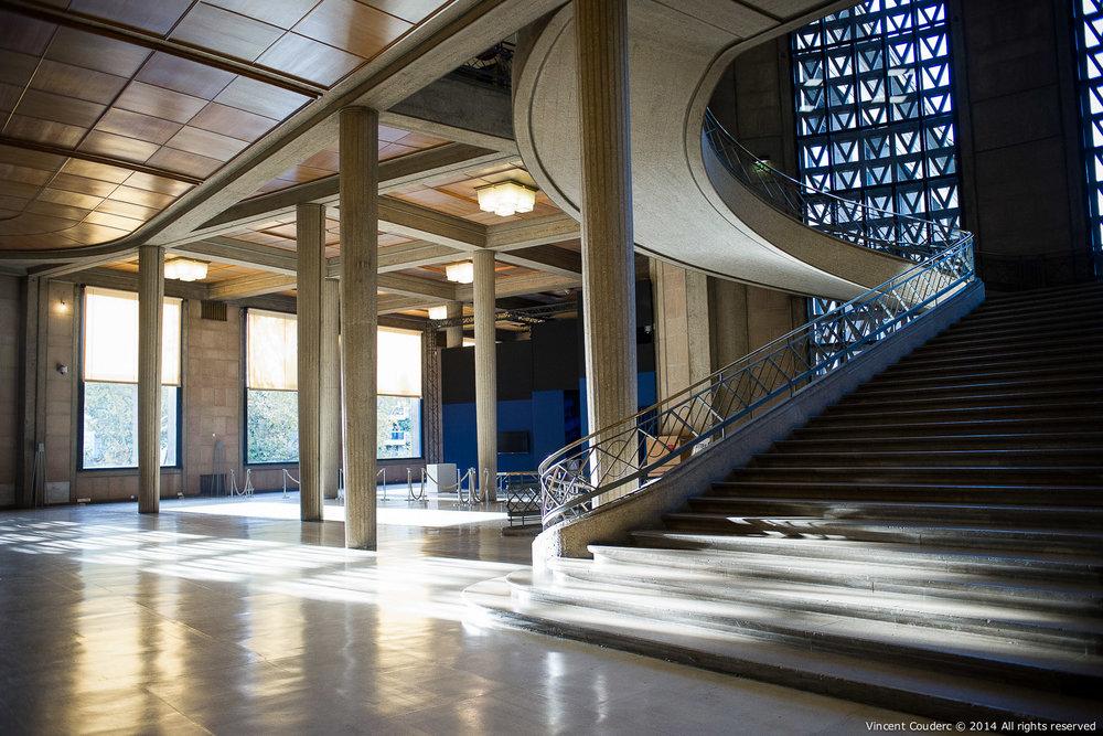 L'escalier d'Auguste Perret  Exposition sur le travail du photographe Henri Dauman Palais d'Iéna,Paris, 2014.   www.manhattan-darkroom.com