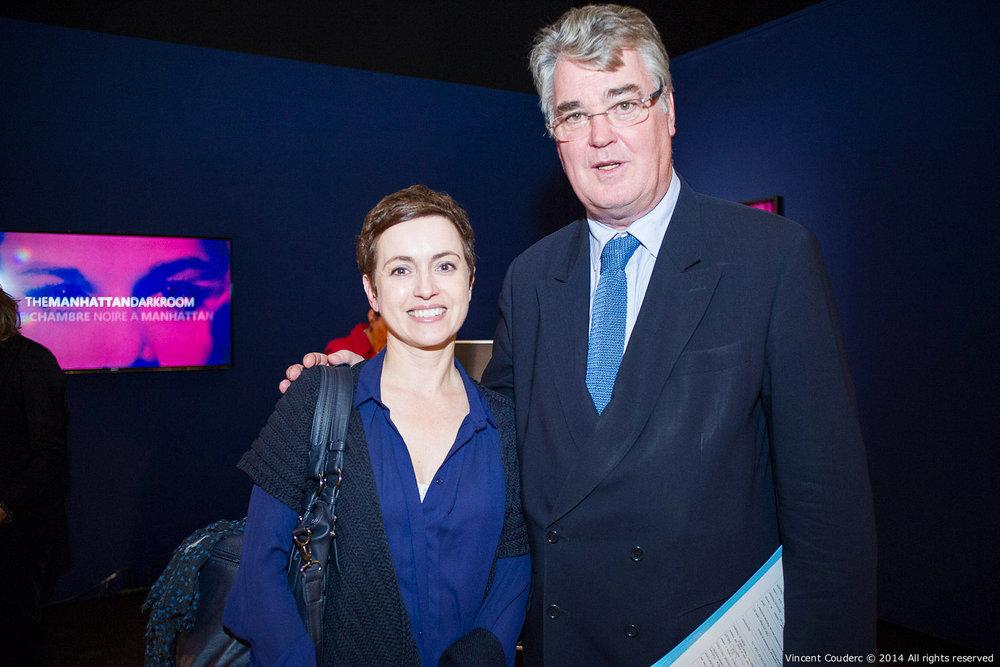 Sophie Jovillard, journaliste et animatrice  Exposition sur le travail du photographe Henri Dauman Palais d'Iéna,Paris, 2014.   www.manhattan-darkroom.com
