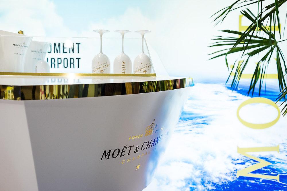 Pop-up store de la gamme de champagne Moët Ice Imperial de la maison Moët & Chandon  Terminal LACM Roissy Charles de Gaulle