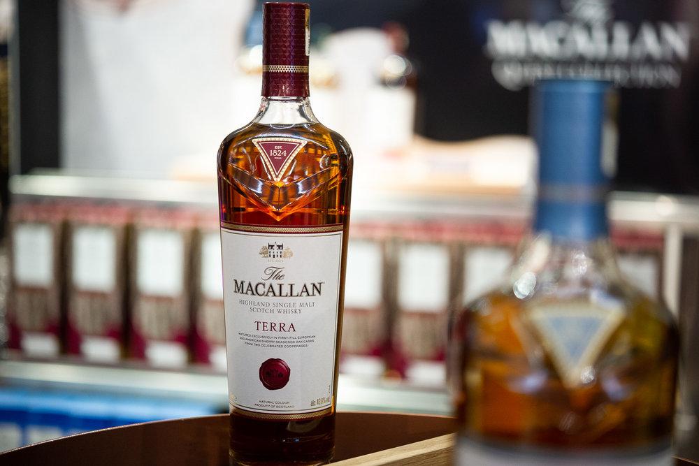Pop-up store de la nouvelle gamme de whisky Macallan Quest Collection du groupe Edrington  Terminal LSM4 Roissy Charles de Gaulle