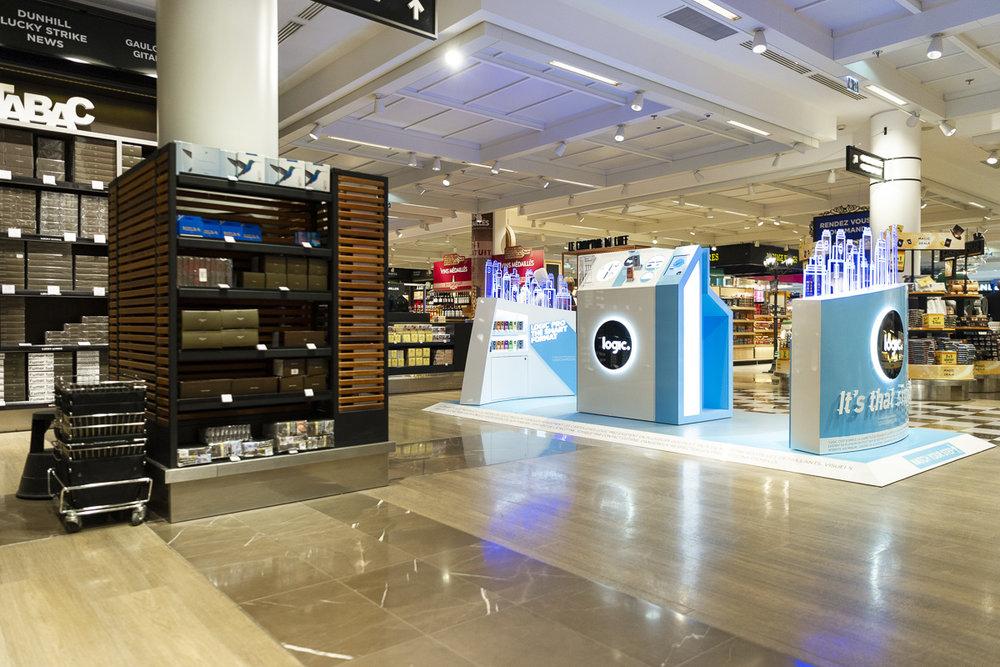 Lancement de la cigarette électronique Logic du groupe Japan Tobacco International  Terminal LSM4 Roissy Charles de Gaulle