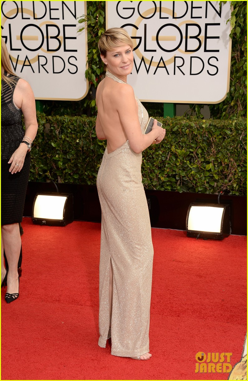 ben-foster-robin-wright-golden-globes-2014-red-carpet-03.jpg