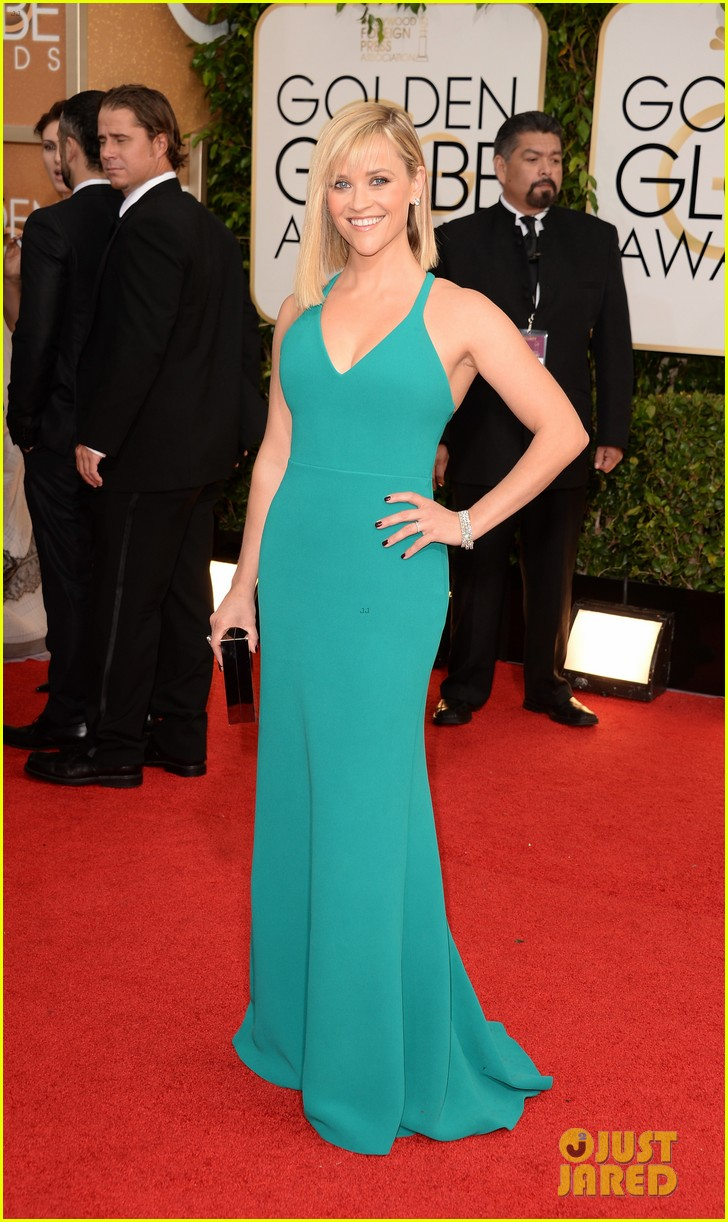 reese-witherspoon-golden-globes-2014-red-carpet-04.jpg