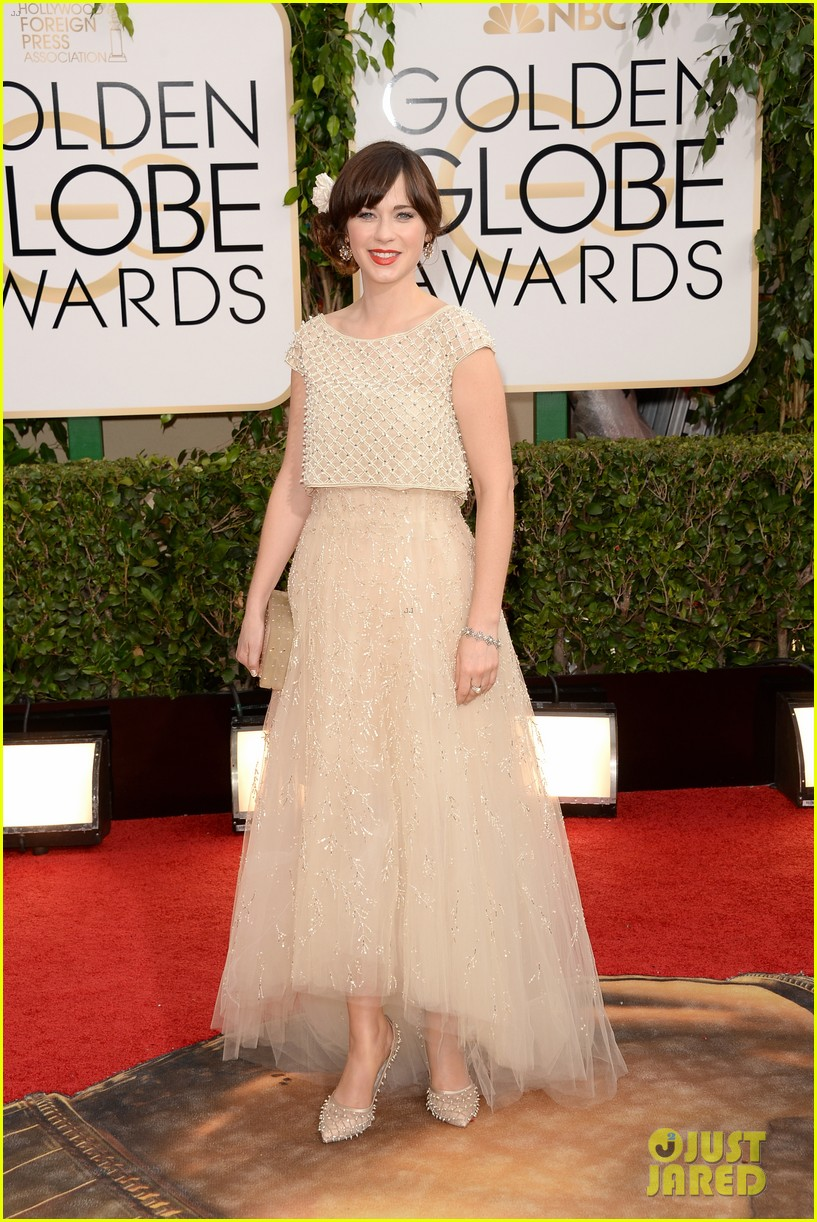 zooey-deschanel-golden-globes-2014-red-carpet-01.jpg