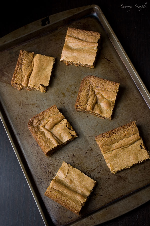 web-brown-butter-vanilla-bean-blondies_5071.jpg
