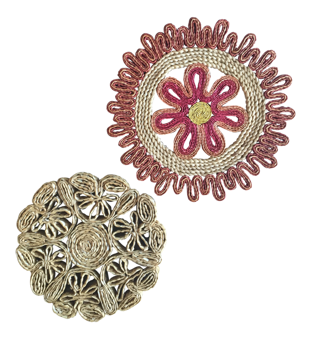 vintage-raffia-rattan-flower-hot-plate-holders-trivets-a-pair-6285.png
