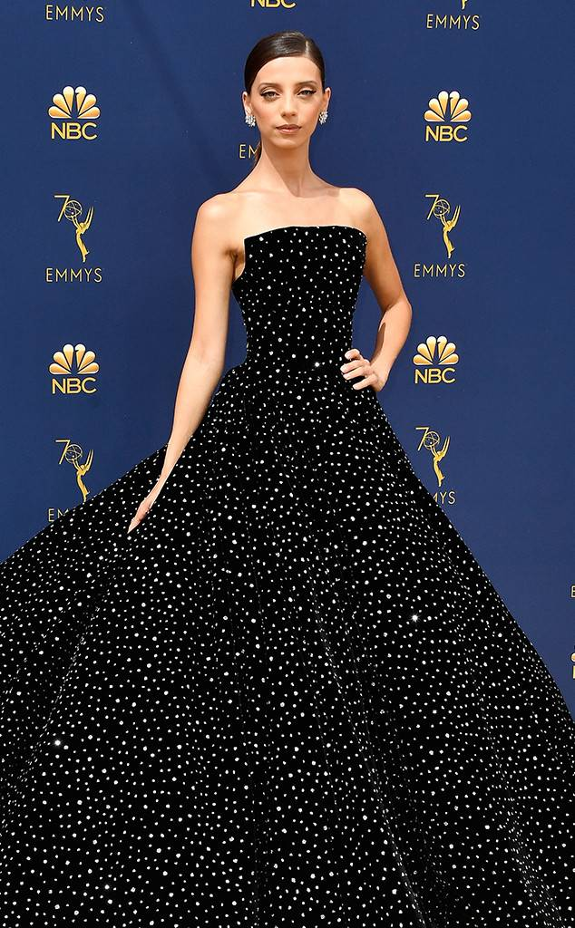 rs_634x1024-180917144057-634.angela-sarafyan-2018-emmy-awards-red-carpet-arrivals.ct.091718.jpg