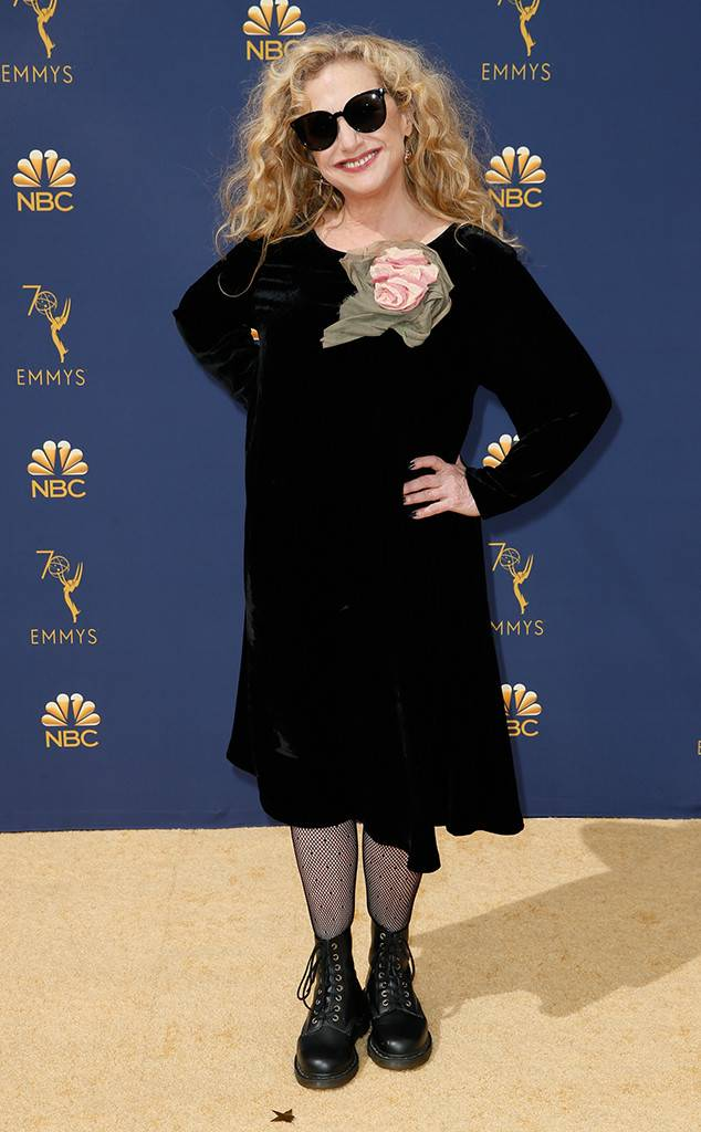 rs_634x1024-180917153038-634.carol-kane-2018-emmy-awards-red-carpet-arrivals.ct.091718.jpg