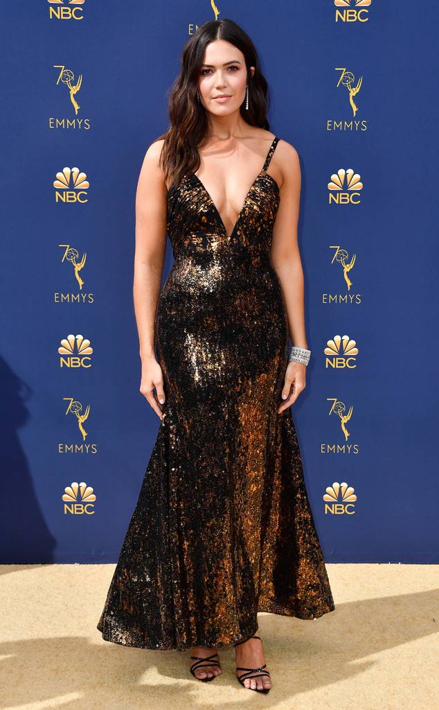 rs_634x1024-180917160601-634-mandy-moore-emmys.jpg
