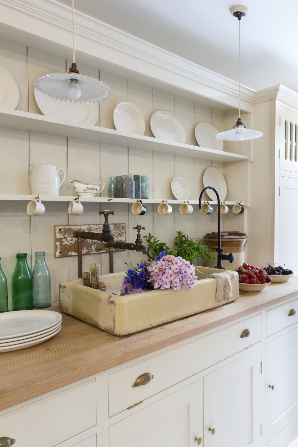 plain-english-kitchen-at-howe-london-3a-1466x2199.jpg