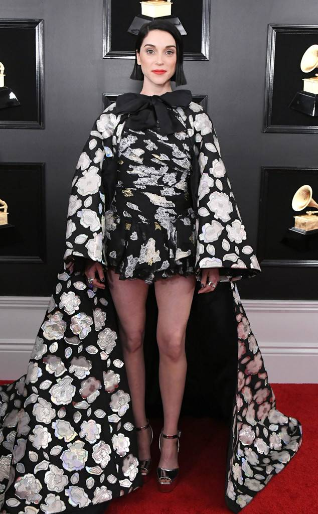 rs_634x1024-190210173915-634-2019-grammy-awards-red-carpet-fashions-st-vincent.cm.21019.jpg