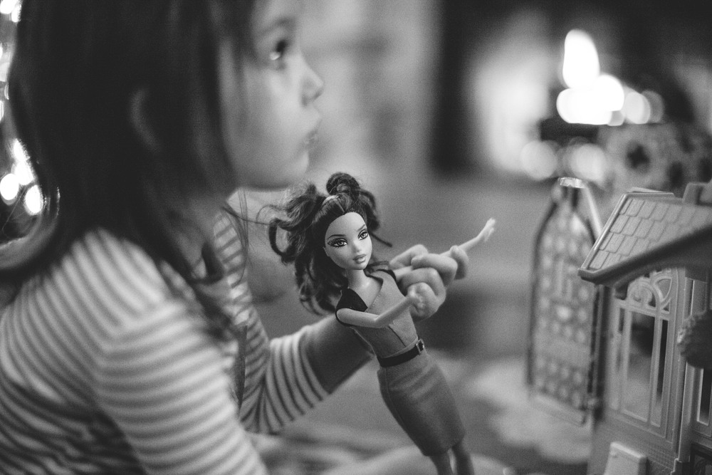 3/365 |  barbies & backyardigans. | 7:02pm