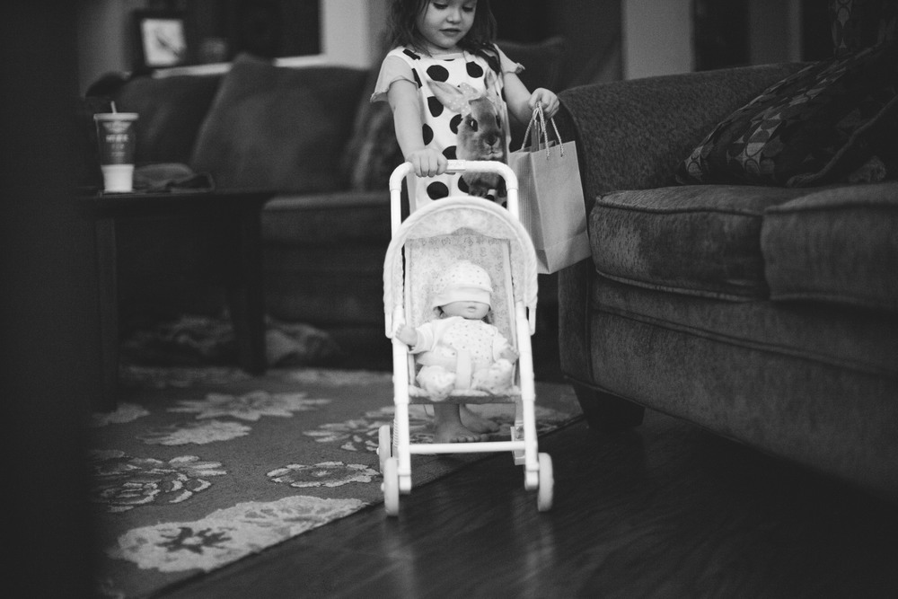 42/365 |  late night shopping with her baby. | 10:25pm