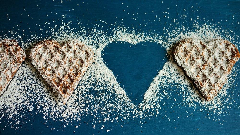 waffle-heart-2697904_1280.jpg