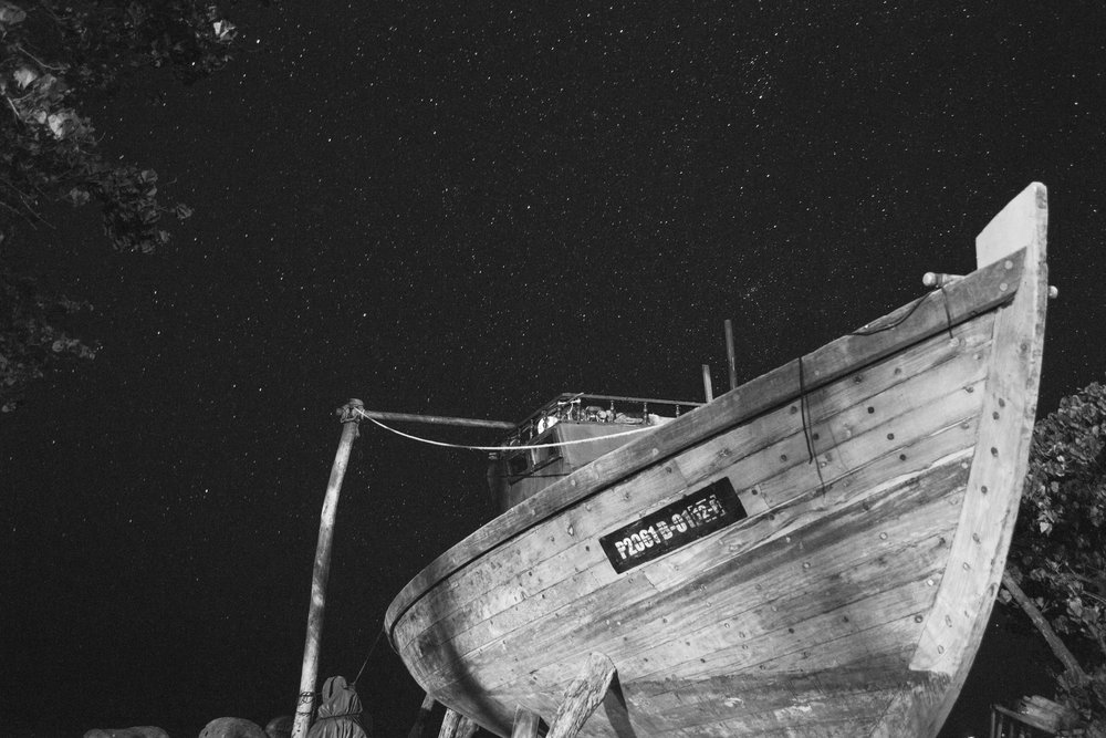 Beached Dhoni at night.  Eydhafushi, Baa Atoll, Maldives.  Nikon D3100.  (2013)