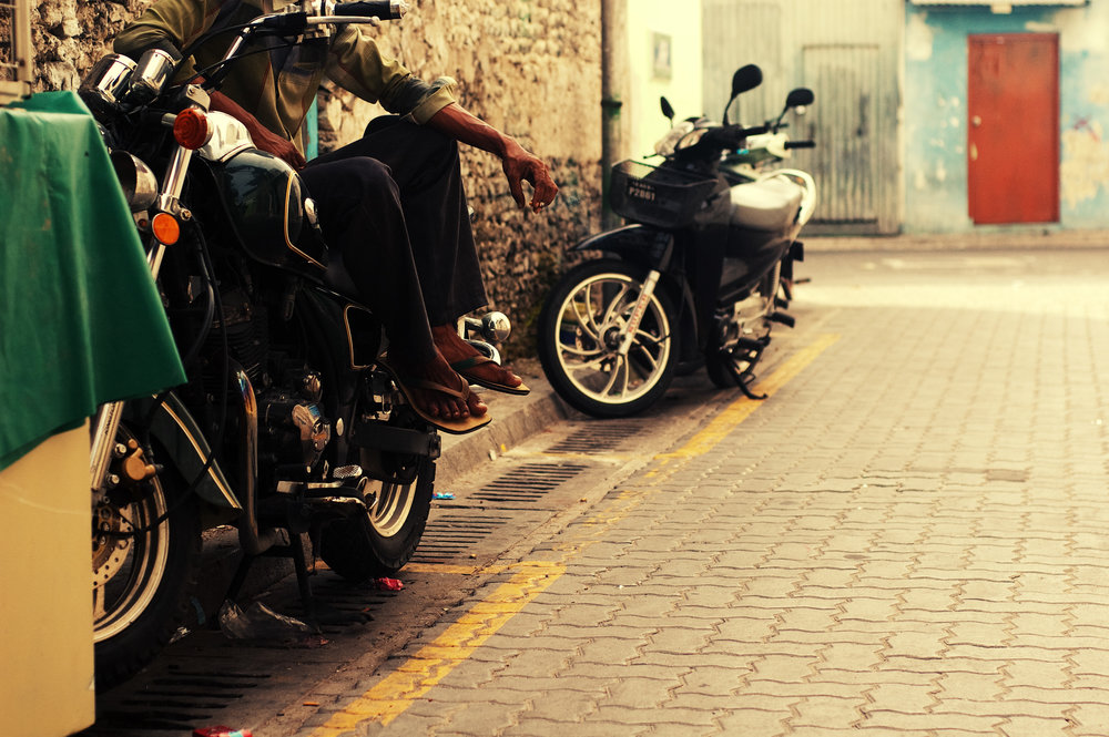 16 - Nikon D70s (2008) - bike.jpg