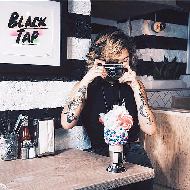 Tasty News! 😋 Black Tap ( Craft Burgers, Beer & Cocktails!! ) is coming to Geneva! I have the chance to work on this great project with the Creative team and it's gonna be fu** tasty! The place is awesome! For those of you around make sure to visit us on the Grand Opening, Wednesday December 6th! CHEERS! - #blacktapgeneva #blacktapnyc  #blacktap #shakes #crazyshakes #burgerlife #cookies🍪  #foodie #foodporn #cheeseburger #craftbeer #cocktailtime  #poptart #genevalife #genevalifestyle #eaaaats #swissblogger #blacktapthat #geneva