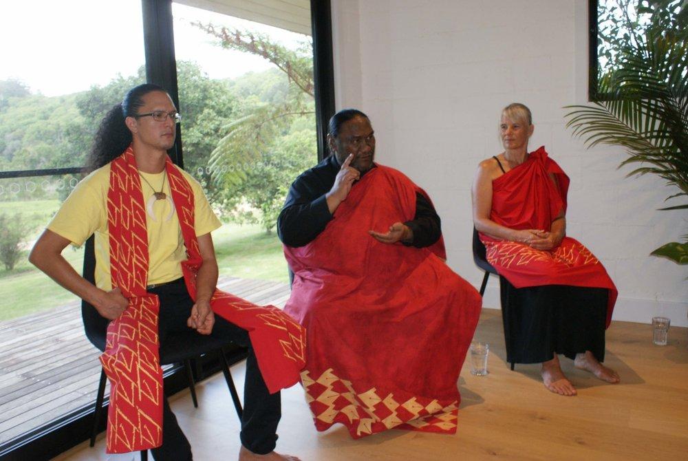 Kumu Paʻa Kawika Foster, Kumu Pa'a Lawrence Aki,Poʻopuaʻa Kathryn Roberts at opening ceremony at Mana O Hawaii Retreat ʻ17