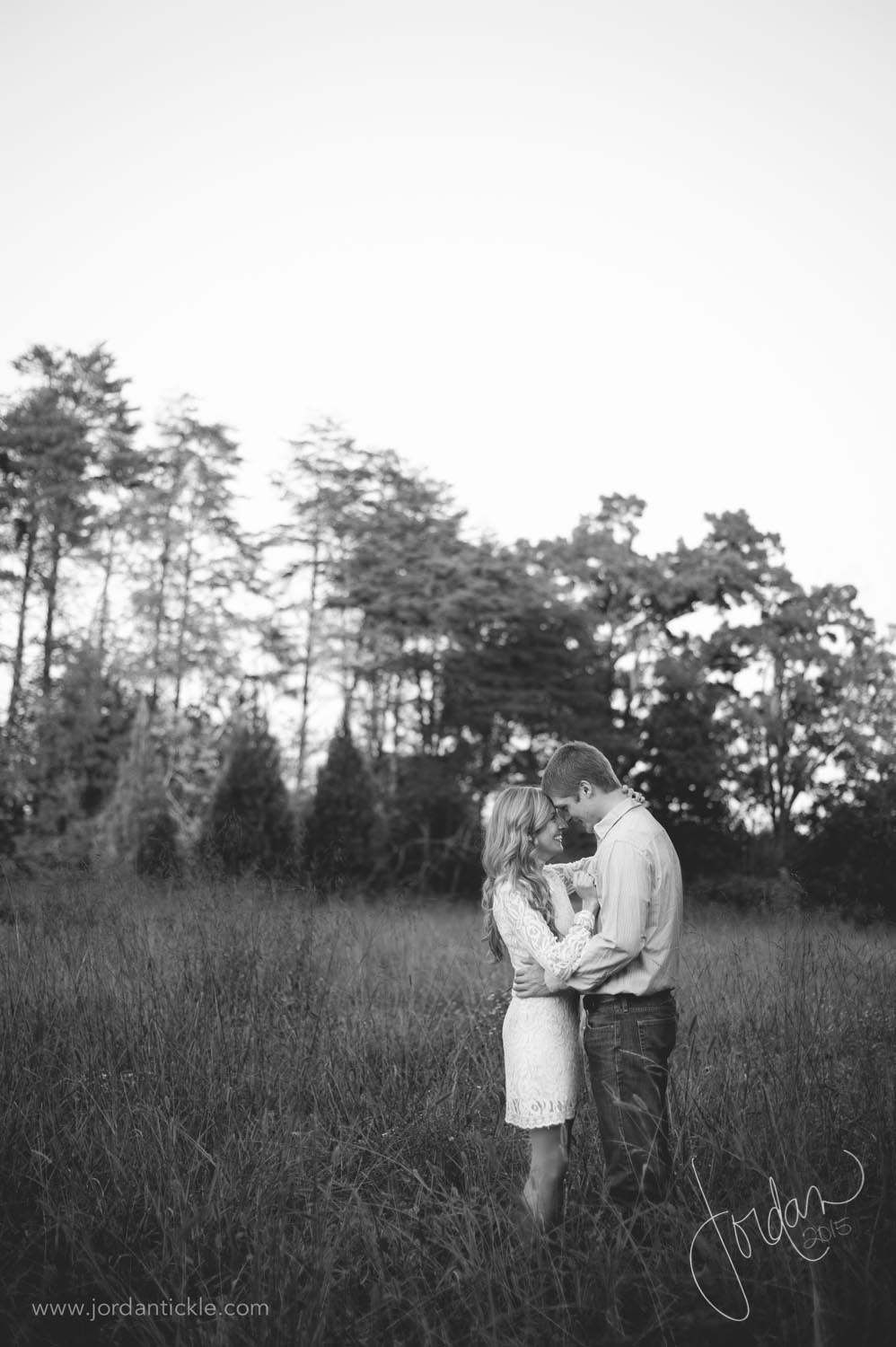 engagement photos in field nc-3.jpg