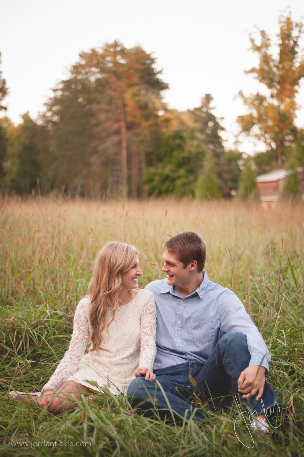 engagement photos in field nc-7.jpg